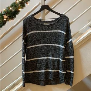 Hollister- knitted sweater